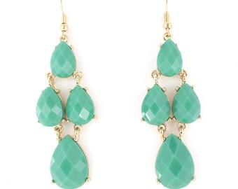 Pretty Gold-tone Faceted Green Dangle Drop Earrings,E2+