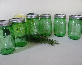 12 Apple Green Ball Perfect PINT Mason Jar Pint Canning Jars Wedding Decor