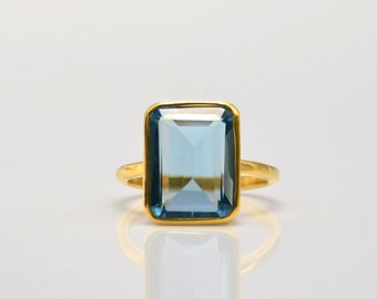 Gold Blue Topaz Ring - Gemstone Ring - Statement Ring - December Birthstone ring - Bezel Set Ring - Rectangular ring