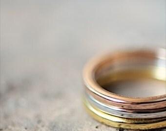 Set de trois anneaux empilables en or-argent-rosé, en filigrane délicate bague en or, bague délicate, bague d'amitié, anneau de Best-seller, anneaux empilables