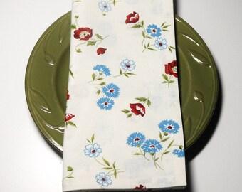 Retro Flower Toss Cloth Napkins//Set of 4