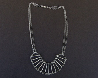 Silver round bars necklace