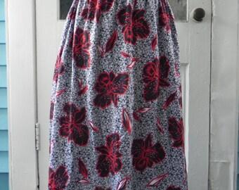 Versatile Vintage Black, Red and White Skirt