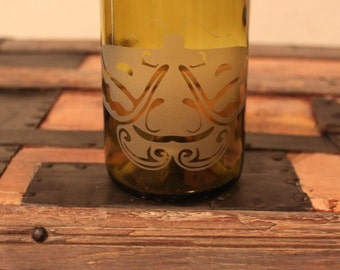Moth - Recycled Wine Bottle Tumbler  (1)