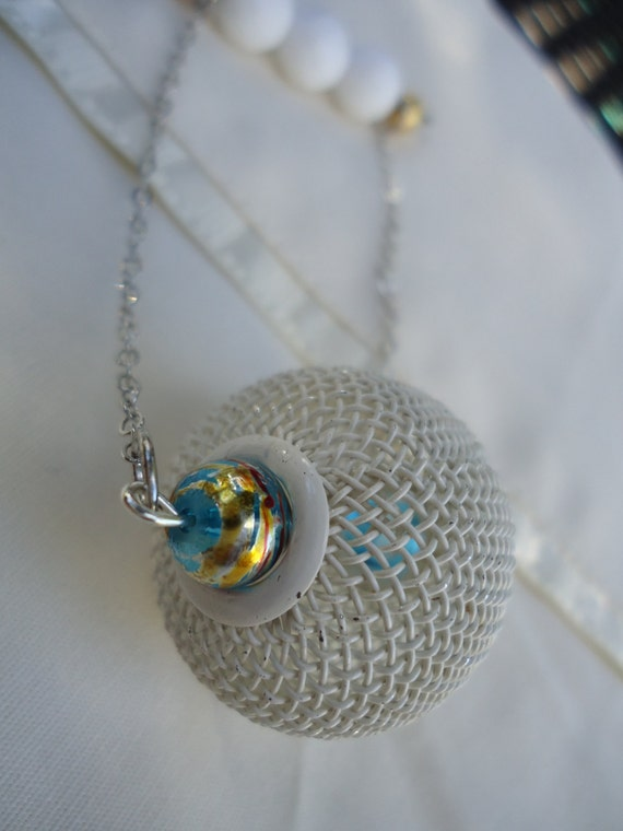 The Carnival Kid in Silver: pin with white mesh bead, silver chain