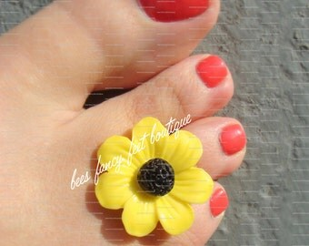 Toe Ring - Yellow Daisy - Button Bead - Stretch Bead Toe Ring