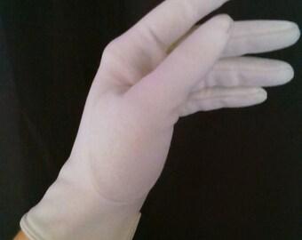 Vintage Gloves off white cream 1950 1960 wedding pin up