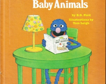 vintage sesame street book club grover 39 s book of cute little baby animals 1980. Black Bedroom Furniture Sets. Home Design Ideas