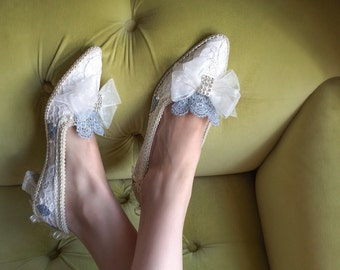 Marie Antoinette Costume Shoes Heels Rococo Baroque Champagne Ivory Lace Bespoke Bridal Silver Appliqué and Pearls Size 6.5 7 7.5 8 8.5 9 10