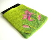 Hand felted Tablet case, iPad cover case,  tablet sleeve green pink - Dagneart