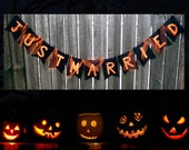 Halloween Wedding Bunting - Just Married - Black and Orange with Tulle Ghosts - Customizable in Your Mother Language