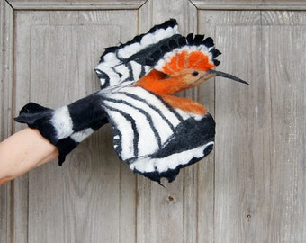 Hand puppet Hoopoe Bird , nursery toy for baby, felted animal for creative play, ecofriendly toy, children's home theater, baby shower gift