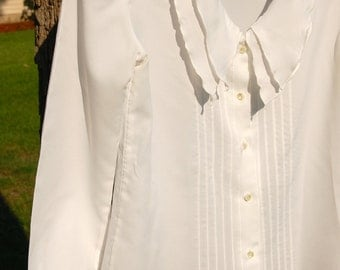 Brian Michele White Double Collar Button Up Blouse!