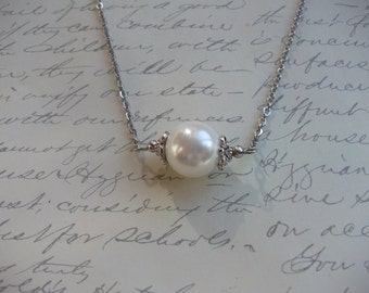 Big white pearl necklace