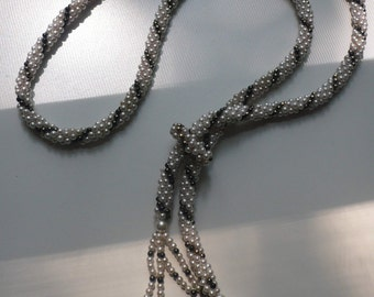 1960s Beaded Lariat Necklace