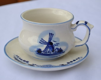 Sale: Delft Blue an White Holland, Windmill Porcelan Teacup and Saucer