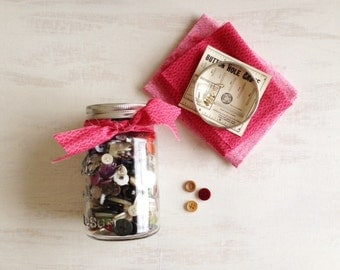 A Pint Canning Jar of Old Buttons