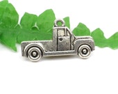 5 Vintage Pick Up Truck Charm, Farm Vehicle, Automobile Charms For Men 26mm x 14mm  C111