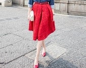 La chic Parisienne Collection black or red floral jacquard chic skirt