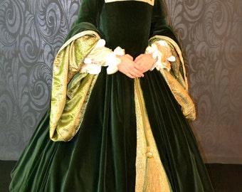 Custom Tudor/Elizabethan Gown