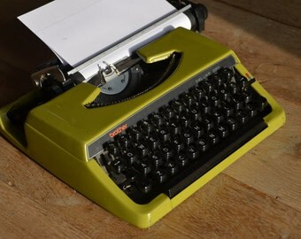 Custom made Green brother 220 deluxe - Working Vintage Typewriter