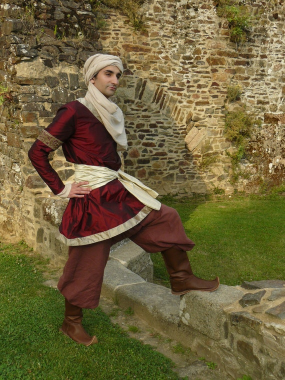Items similar to Seldjoukid - Medieval arab costume for ... Ancient Muslim Clothing For Men