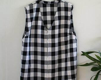 Vintage Black and White Plaid Vest / Checkered Vest