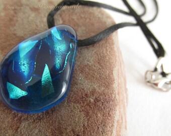 2515 - Pendant Glass Piece, Unique