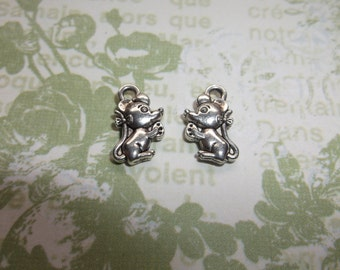 Tibetan silver mouse charms 12x7 mm findings jewelry making charm  pendent qty 10 mini charm