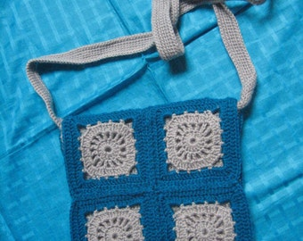 crochet turquoise/gray crossbody bag