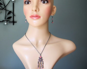 Vintage, Retro Earrings and choker necklace with pink rhinstones.
