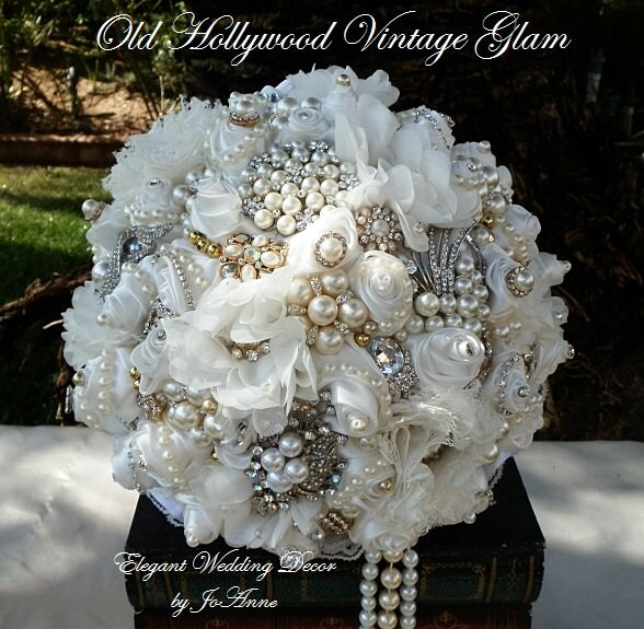 GATSBY BROOCH BOUQUET Off White Vintage Style Wedding Bouquet Gold Jeweled Broach Bridal Custom