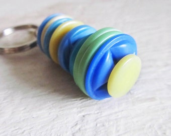Vintage Stacked Buttons Key Ring Keyring - Earth