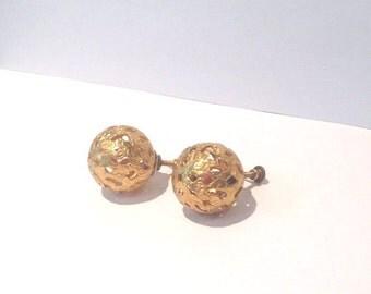 The best Vintage art deco gold  filigreeball earrings // 20s // 30s