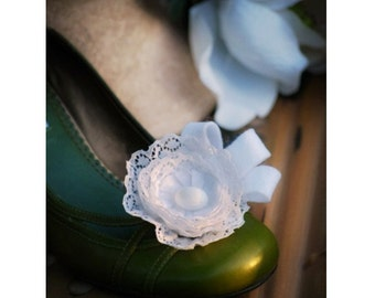 White / Ivory Lace Shoe Clips. Vintage Millinery Style. Handmade Couture. Anthropologie Big Day. French Shabby Cottage Chic, Gift under 50