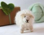 Needle Felted Sheep. Needle Felted Lamb. Felted Farm Animal. Needle Felted Animals. Wool Felt Animal. Childs Toy. Kids Toy. Waldorf Toy