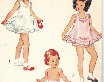 Simplicity 2558 Vintage 40s Super Cute Toddler Girls Slip and Panties with Embroidery Transfer Sewing Pattern Size 2