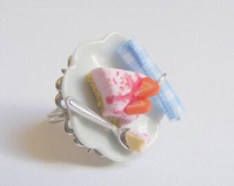 Food Jewelry Strawberry Cheesecake Ring, Miniature Food Jewellery, Mini Food , Cheesecake Jewelry, Strawberry Ring, Kawaii Ring, Food Ring