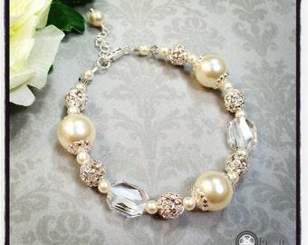 Wedding bracelet, bridal bracelet, wedding jewelry, pearl bracelet, vintage style bracelet, Swarovski crystals pearls, Mother of the Bride