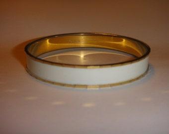 Retro vintage MONET White Enamel mod bracelet goldtone modern twist runway bangle