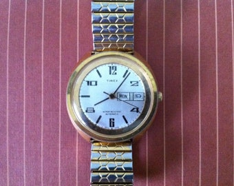 Vintage Men's Watch, Rare Bold Mid Century Modern Timex Dual Day Automatic Calendar Watch - Day & Date Windows - 1970s Vintage Mechanical