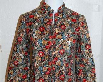 Vintage 1970's Quilted Flowered Mandarin Collar Jacket with Toggle Buttons Size Small