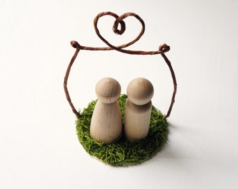 Woodland wedding cake topper, Peg doll cake topper, Rustic Wedding accessory, Bride and groom cake topper