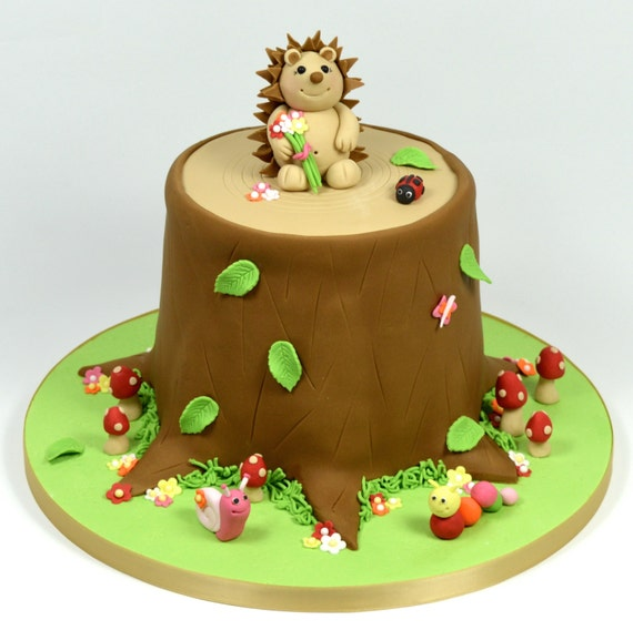 Hedgehog Tree Stump Cake Decorating Tutorial By