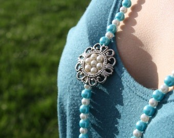 Blue and White Glass Pearl Necklace with Brooch (3083)