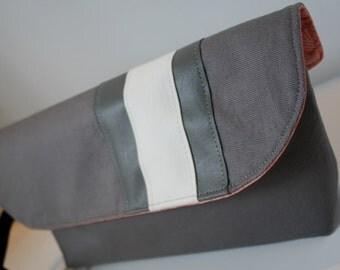 Grey Fabric Wristlet Purse, Wristlet Clutch Bag, Handmade Fabric Wristlet, iPhone Wristlet, Catey Bag