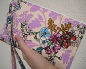 WEDDING CLUTCH, gift pouch, 2 pockets, bridesmaids, wedding, handmade, iphone - Tangle in lavender