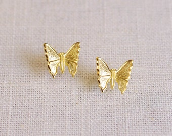 titania // gold butterfly earrings . simple butterfly studs . everyday earrings . butterfly earring studs . nature inspired jewelry