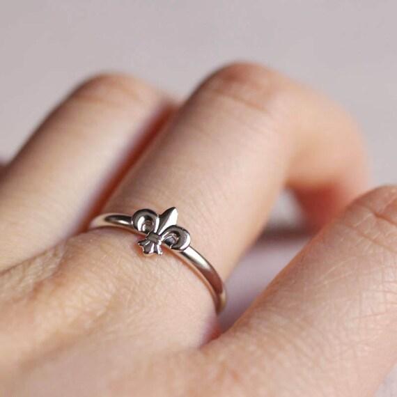 fleur de lis . stacking ring