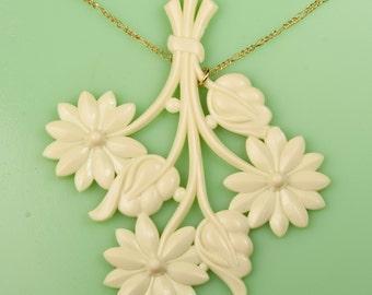 Vintage Floral Ivory Lucite Necklace